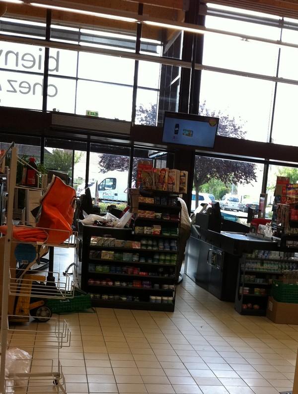 carrefour market Saint Pierre Les Nemours 33