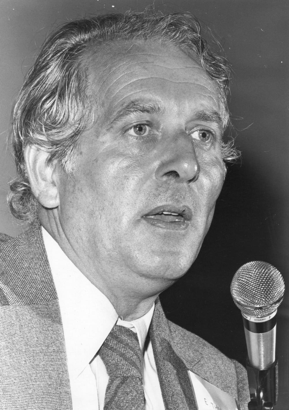 Etienne Thil