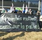 Carrefour Cahors se fait empailler par des agriculteurs en colère